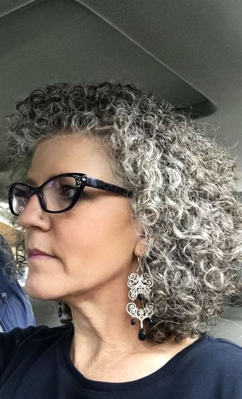 curly hair with grey highlights 97 best images about el pelo blanco on pinterest models