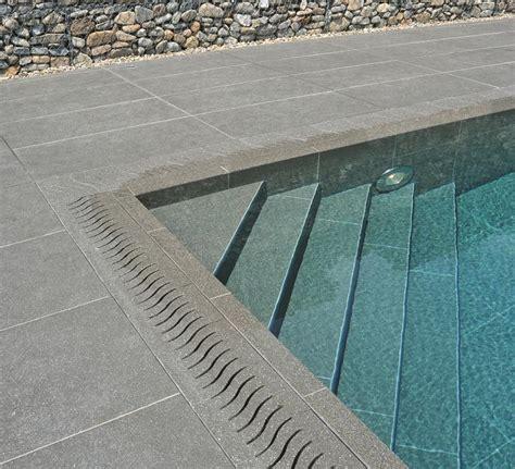 piastrelle per piscine pavimenti per piscina in gres con finiture legno kronos