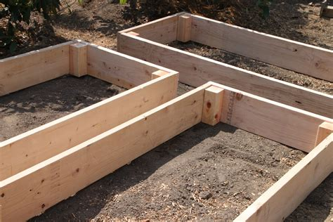 Tilly S Nest Easy Diy Raised Garden Beds How To Make A Raised Vegetable Garden Bed