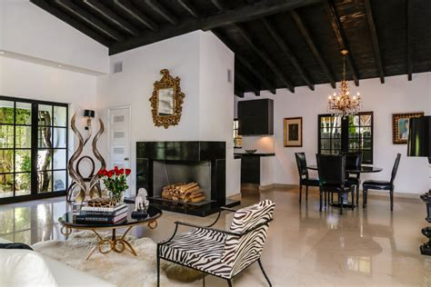 room ministries miami gardens vogue photographer lists instagram worthy miami home for 2 4m dailydeeds march 2017
