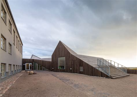 folded roof landscape day care centre  dorte mandrup