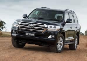 Toyota Land Cruise 2016 Toyota Land Cruiser Revealed Gaadi