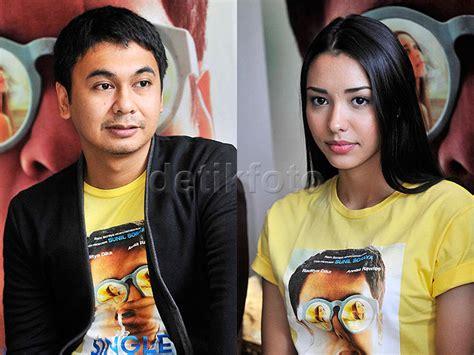 film single raditya dika cast bosan komedi cinta raditya dika keluar dari zona nyaman