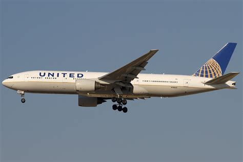united airlines wikipedia file boeing 777 222 er united airlines an2225265 jpg