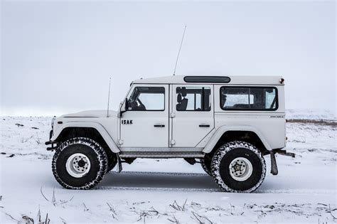 land rover iceland choose your 4x4 truck for iceland isak 4x4 rental