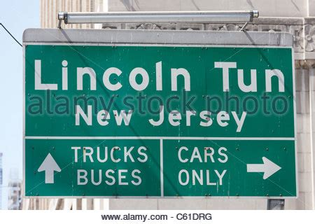 secaucus motor vehicle hours cars in the lincoln tunnel new york city usa stock photo