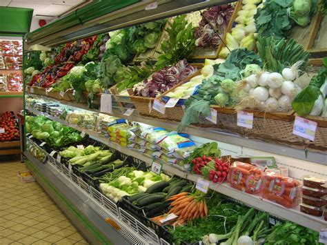 supermarket sections guide to italian supermarkets buying groceries in italy