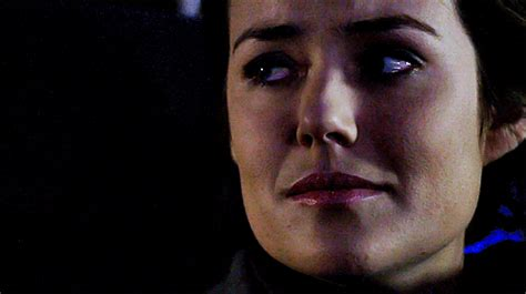 megan boone forehead scars the blacklist the profiler elizabeth keen megan boone