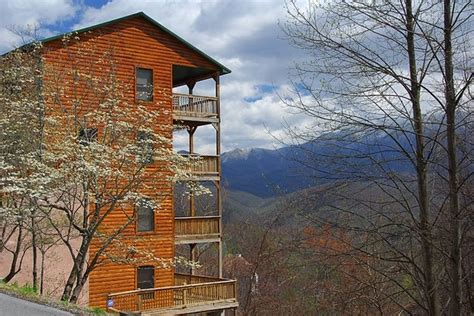 timber tops luxury cabin rentals sevierville tn
