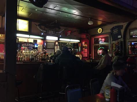 hill top bar hilltop tavern pubs iowa city ia reviews photos