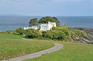 Obama Vacation cornwall s house from daphne du maurier novel goes on the