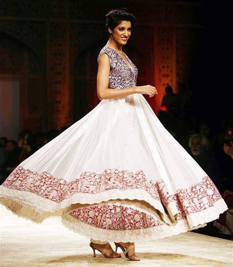 Traditional And Elegant Indian Clothing Styles 2014 007   Life n Fashion