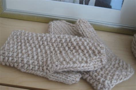 mitten pattern chunky yarn are your hands cold espace tricot blog