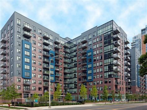 chicago appartments chicago s 10 largest rental developments in 2015 3 000
