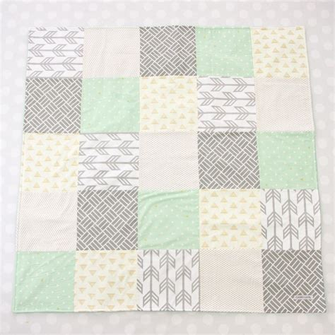Neutral Baby Quilt by 1000 Ideas About Neutral Baby Quilt On Baby