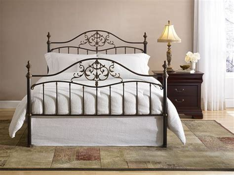 Havertys Headboards by A Classic Wrought Iron Bed Never Goes Out Of Style Try