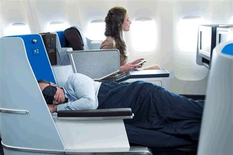 Designing A Cabin Klm Introduces New World Business Class Cabin In B777 200