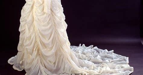 Wedding Dress Made From Saving Parachute by Just A Car The Coolest Wedding Dress I Ve Heard