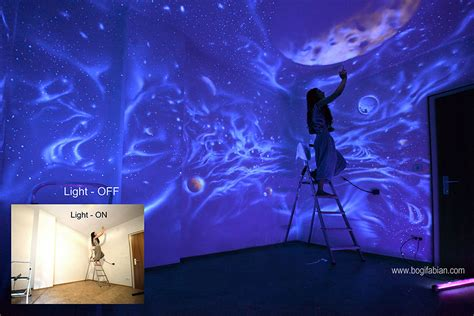 glow in the dark murals artist paints rooms with murals that glow under blacklight