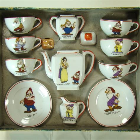 Set Seven White walt disney enterprise snow white and seven dwarfs china
