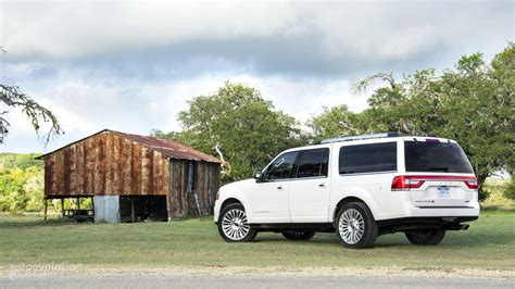 lincoln investments reviews 2015 lincoln navigator tested it doesn t justify the