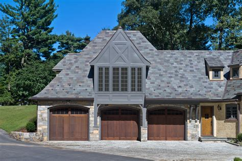tips choosing garage doors for your new house 16774