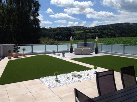 Artificial grass for green roof   Advantages of synthetic