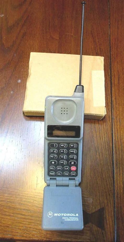 vintage  flip cell phone motorola model