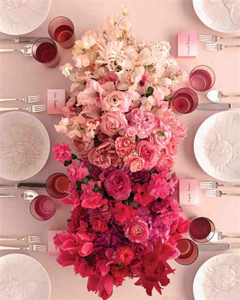 table flower 10 gorgeous wedding centrepiece ideas 171 weddingvenues com