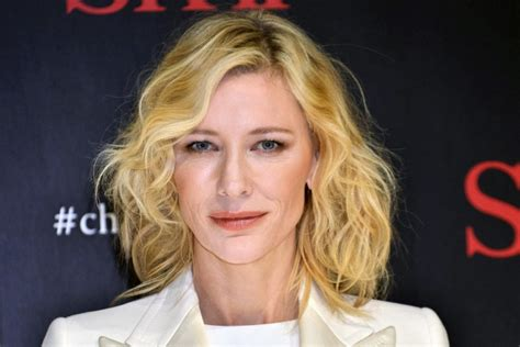Cate Blanchetts Skincare Collection For Sk Ii by Cate Blanchett For Sk Ii Skin Whole Lotta Posin