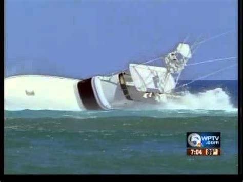 boat sinking at jupiter inlet jupiter man in critical condition after falling overboard