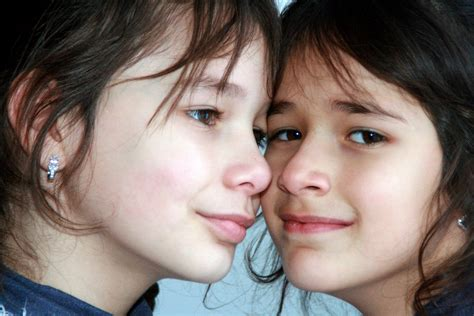 Puzzle Wajah Anak Wanita gambar orang orang orang gadis wanita cinta anak biru raut wajah tersenyum mulut