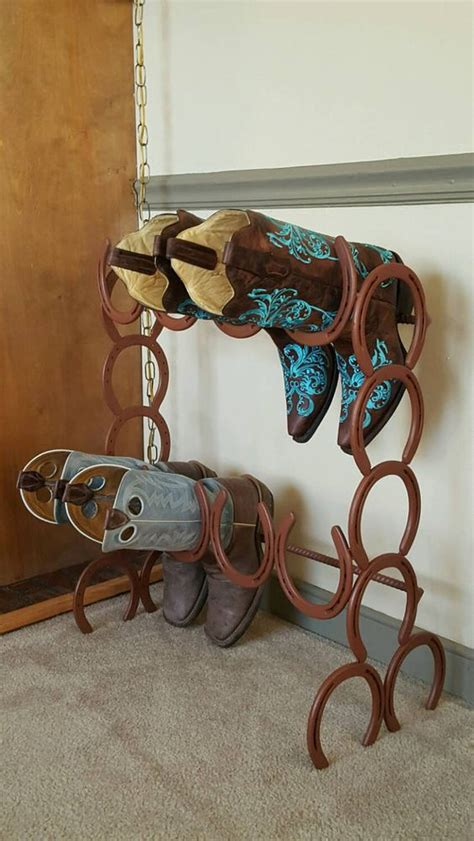 Horseshoe Decorations For Home by 26 Rustic Horseshoe Home D 233 Cor Ideas Shelterness