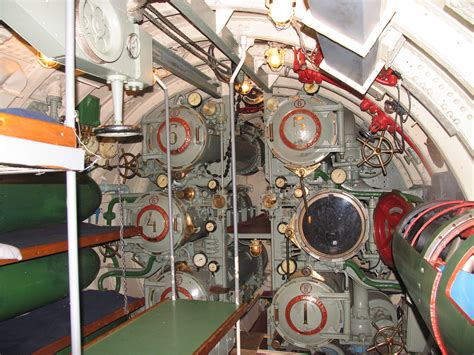torpedo room file d 2 torpedo room jpg wikimedia commons