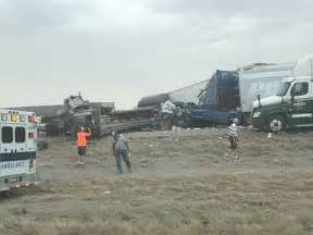 car crash in new mexico 6 dead in 25 vehicle pileup near new mexico border