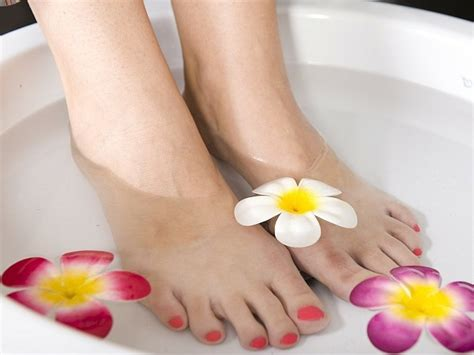 Up Soothening Foot And Foot File how to do a pedicure at home