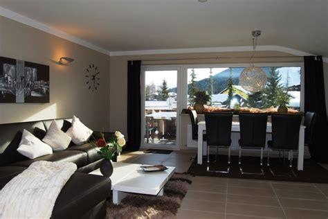 wohnzimmer 25 qm appartement am geigenb 252 hel i in seefeld tirol