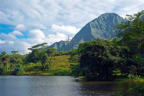 Hoomaluhia Botanical Garden by Hoomaluhia Botanical Garden And Pali 2 Photograph By