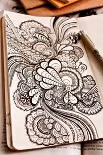 doodle name l the drawing shows myriad curvilinear lines of varying