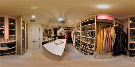 Large Walk In Wardrobes by Images About Big Closets On Walk In Closet And