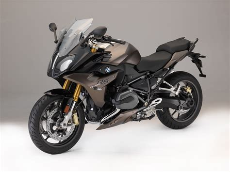 bmw   rs buyers guide specs price