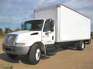 06 international 4300 24 box van non cdl