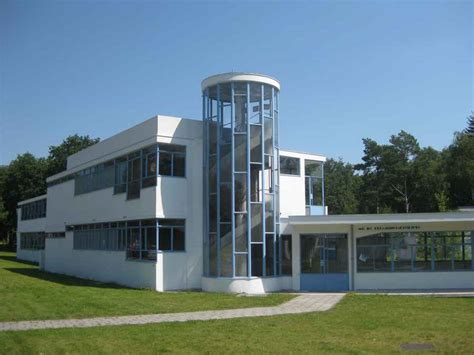 20th century architects sanatorium zonnestraal modern building sanatorium