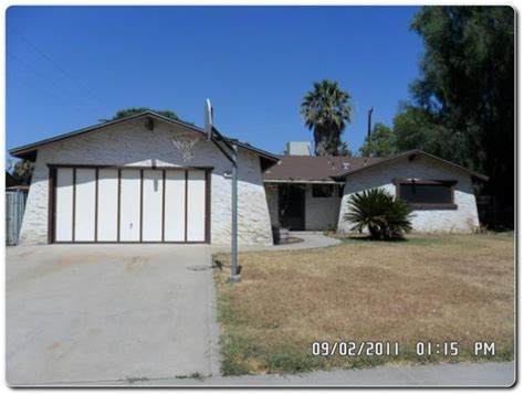 940 w mulberry dr hanford california 93230 foreclosed