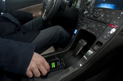 gms  car wireless charger autocar