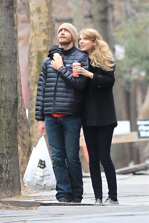 taylor swift and jake gyllenhaal scarf jake gyllenhaal taylor swift i love taylor swift