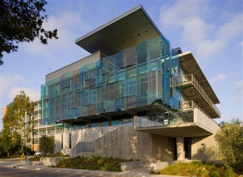 ucsd housing ucsd s cus catering building reflects the ocean with