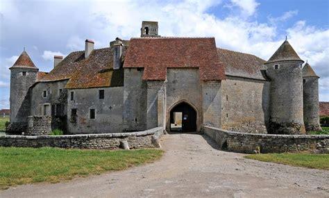 Chateau de sagonne marriage licenses