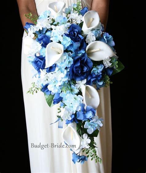 Marriage Bouquet by Bouquet De Fleurs Bleu Pour Le Mariage En Cascade Avec Des