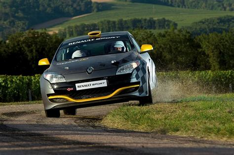 Majorette Racing Cars Renault Megane Coupe N4 renault megane rs n4 ready to race autoevolution